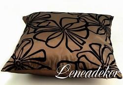Dekorativní polštářek s květy-hnědý