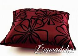 Dekorativní polštářek s květy-bordó