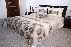 Přehoz na postel krémovo-béžový-stříbrný 44K