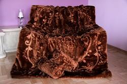 Přehoz na sedací soupravu čokoládový se vzorem