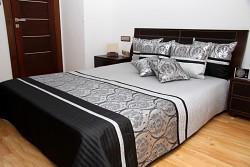 Přehoz na postel šedo-černý