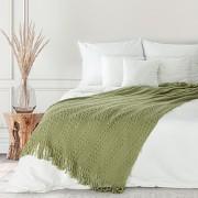 Zelený pléd pletený se střapci